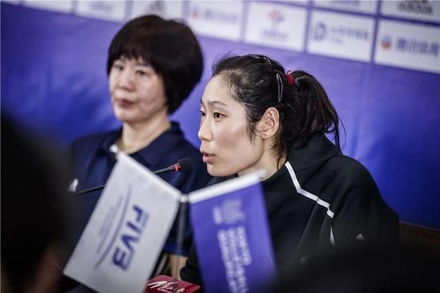 东京奥运推迟一年利弊并存 郎平续约女排李盈莹