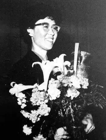 邱钟惠夺中国女子首个世界冠军 乒乓球历史上的