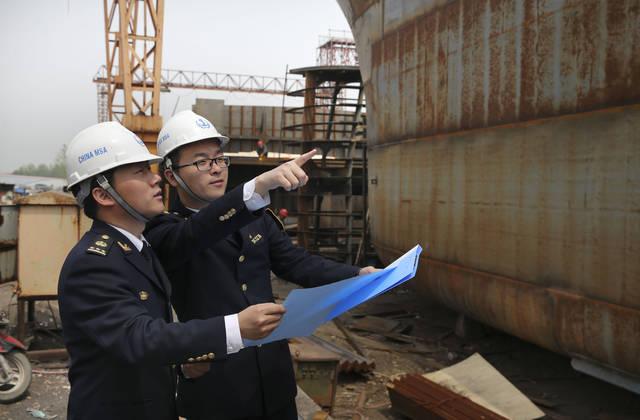 镇江海事局积极保障船舶修造企业复工复产