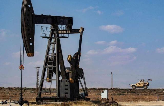 叙东北部再度传出爆炸声,美军控制油田设施遇袭,损失较为惨重