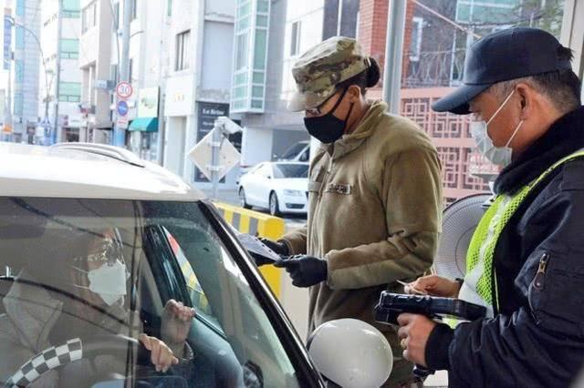 被隔离长达49天后,驻韩美军首名新冠病毒感染者