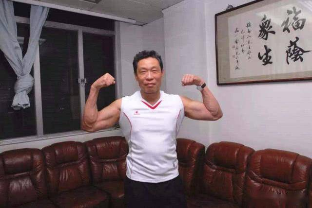 体育健将钟南山!熟悉惠若琪,与姚明家关系亲
