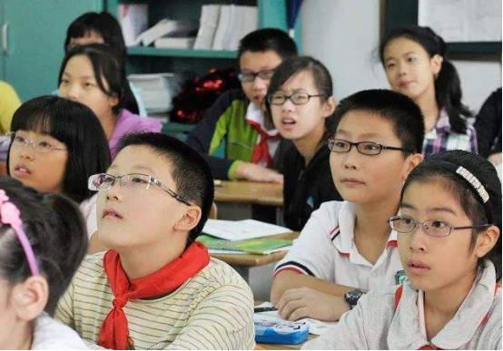 我国近视中小学生超1亿 预防控制是关键