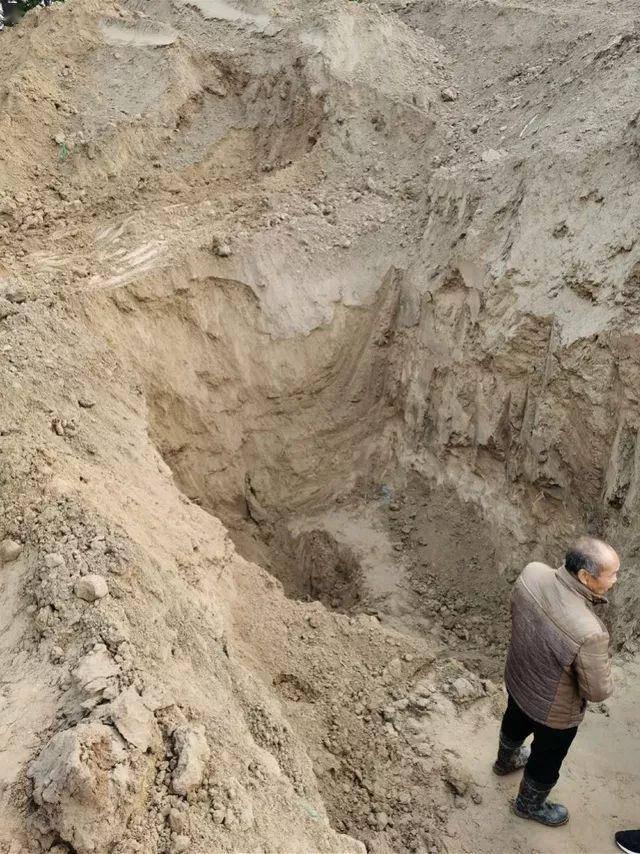 小区土方挖出4具儿童遗体,初步查明