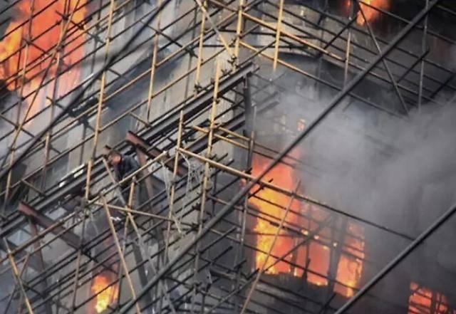 如果有人先行起诉到法院,还可以申请火灾复核