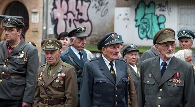 乌克兰起义军大部分成员曾参与了纳粹德国的屠