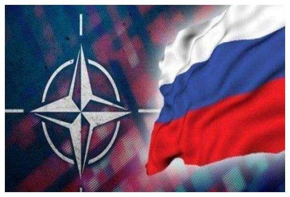 北约F18挂空空导弹威胁俄防长专机 苏27飞行员愤怒请战开火