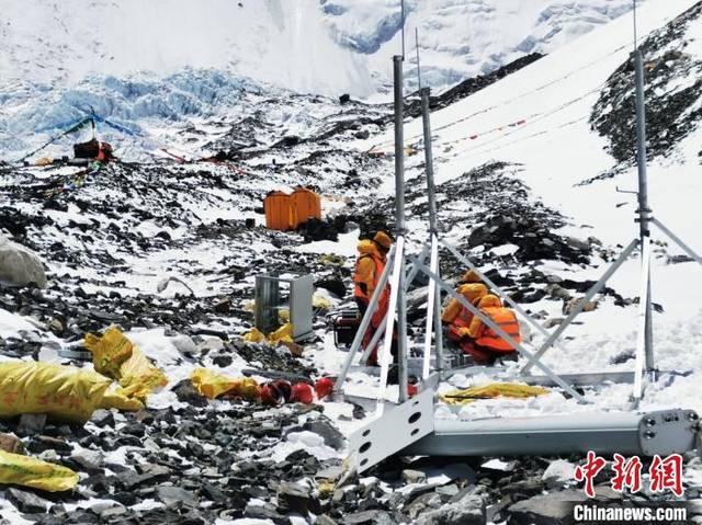 珠峰6500米基站开通在即 中国移动:设备人员已到达现场