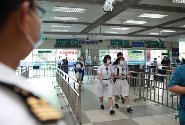 澳门高中复课首日,海关多举措助跨境学生快速