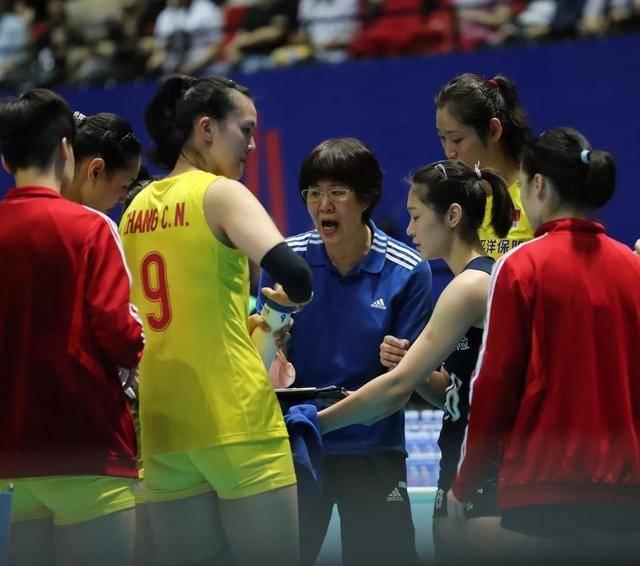 后知后觉,中国女排4场记忆深刻输球,这2场失利