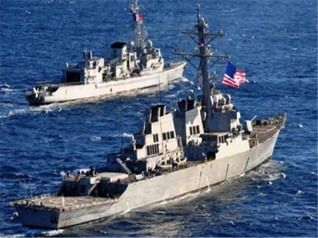 北约战舰联手逼近俄后院,055万吨巡舰火力全开,俄:越过红线就开火