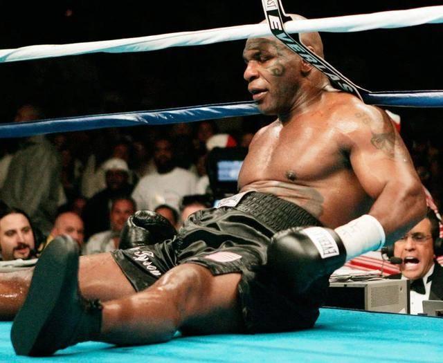 富里经纪人:53岁泰森拿不到拳击执照,打不过任