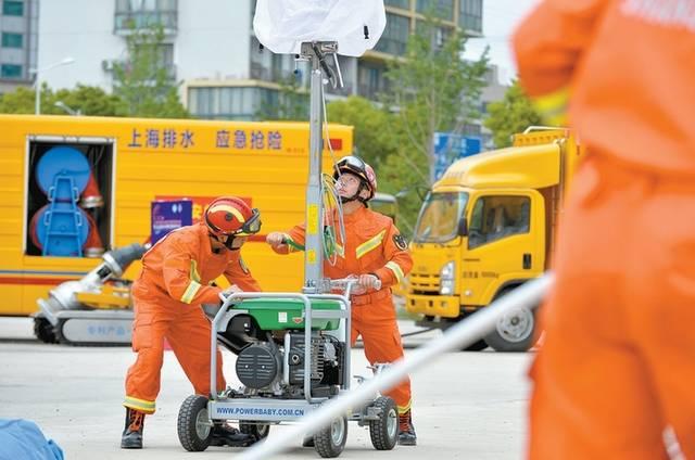上海市防灾减灾宣传周启动暨应急救灾物资保障演练活动举行