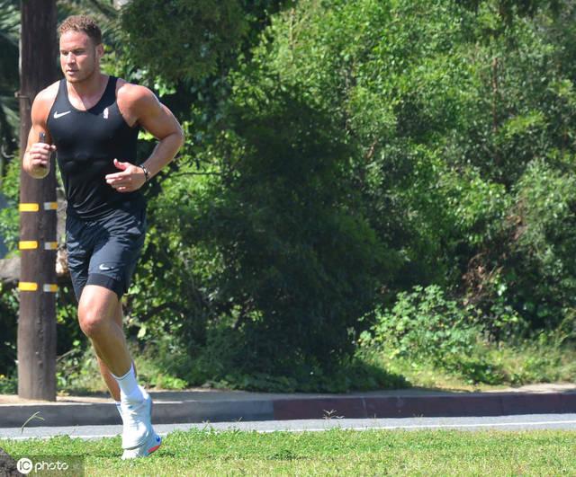 格里芬称左膝伤势已痊愈 已为赛季重启做好准备